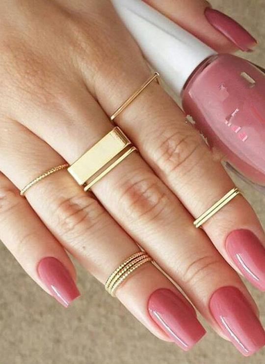 Noa Simple Stackable Minimal Round & Square Gold Ring Sets